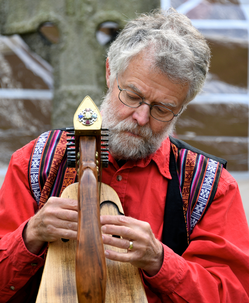 Richard York Storyteller with harp